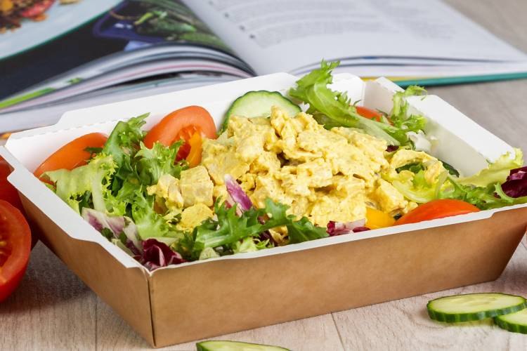 Mixed leaf salad base,  topped with a succulent creamy coronation chicken mix.