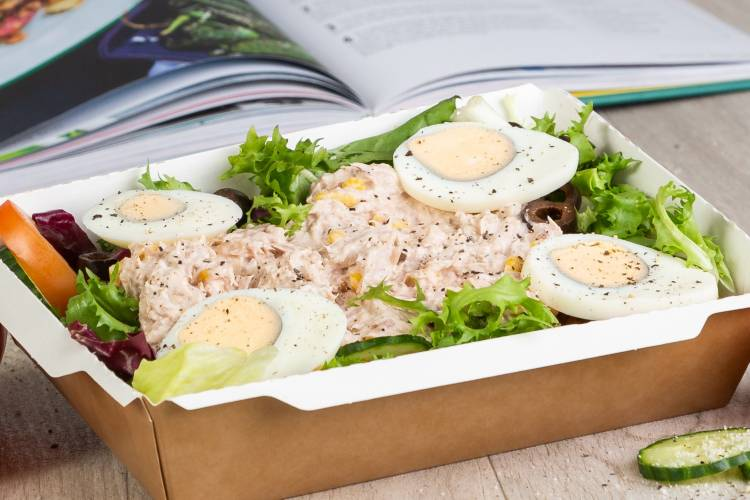 Mixed leaf salad, tuna light mayo sweetcorn mix, a sprinkle of black olives and topped with sliced free range egg.
