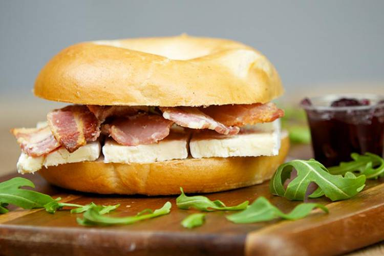 A silky smooth brie base, layered with crispy bacon rashers.